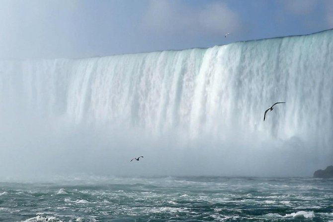 Private Arrival Transfer from Toronto Airports to Niagara Falls, Toronto, CANADA