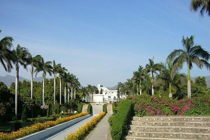 Chandigarh is a modern city of India and besides being a union territory it is the capital headquarters for Haryana and Punjab states. It is nearly 250Kms away from National capital of India and can be easily visited from Delhi in same day. In the present tour product we facilitate you to visit Chandigarh from Delhi in same day.