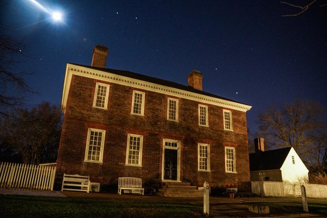 Beginning at 10pm, this 90-minute Ghost Tour willvisit some incredible historic sites such as an Indian burial site, insane asylum, and a cemetery. You will hear stories of witches, murder, betrayal, and war from your professional guide and see where most guests experience strange phenomena and report hauntings.