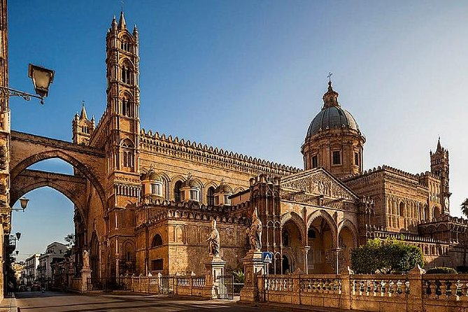 Walking through the wonders of the historic center of Palermo to take inthe scents and colors of the old markets is a fantastic experience. Observe places and incredible people while admiring the sights and soundsof the markets. See some of the city's top monuments, as well, like the Teatro Massimo and Cathedral.