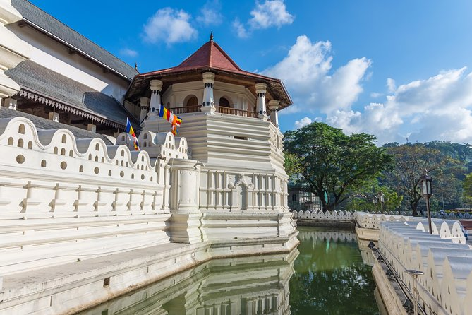 (SKU: LK10AAH011) This is a special trip to Sri Lanka for people who wish to have a relaxing holiday, and have a break from their stressful lifestyle.
