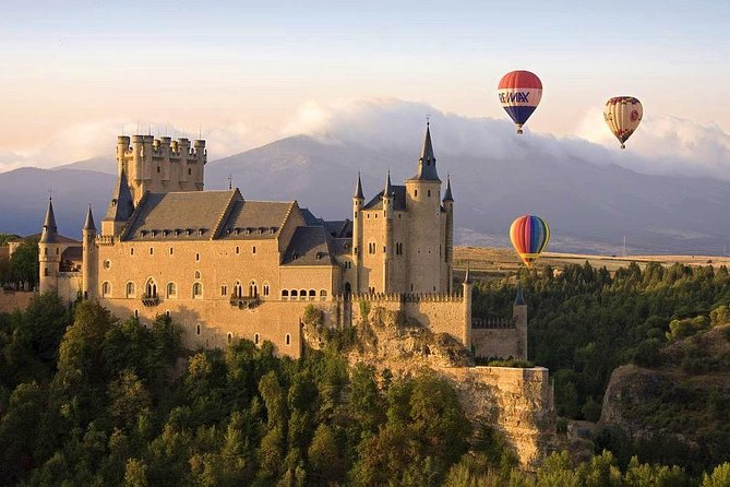Enjoy a balloon ride over the beautiful Segovia, a UNESCO heritage site. This balloon ride offers you a unique view from the air; the Roman Aqueduct, The Gothic Cathedral, the Alcazar Castle. <br><br>Aerodifusion was the 1st balloon operator company in obtaining official quality certificate in the Central area of Spain.