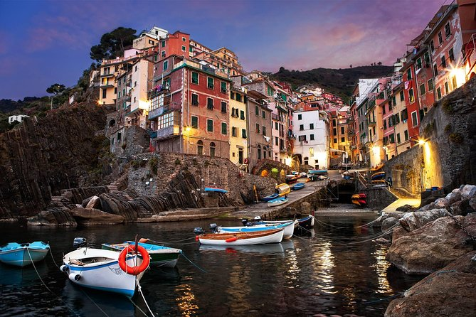 Begin your journey searching through enjoyed experiences first-hand and relish them with your private travel expert. Explore the beautiful land of Cinque Terre, learning all about its fascinating history and its traditions. Toast with fine local wine.