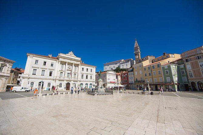 Piran, situated on a peninsula jutting out into the open sea. Entering Piran, you will feel the bustling atmosphere of a lively medieval town. Mind you, there is no traffic in Piran, you can freely walk around on your own, or if you like to be completely relaxed, take this guided tour.