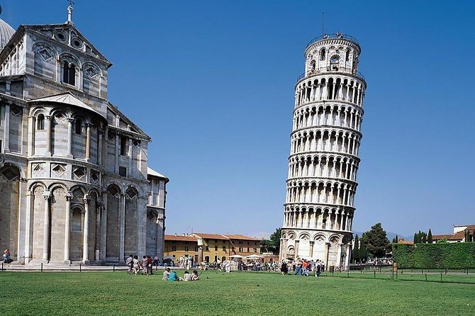 Low Cost Transfer from Livorno to Pisa, Piazza dei Miracoli, suitable for cruises passengers who want to visit the famous Leaning Tower without problems. Comfortable return trip with GT coach and air condition Free WiFi on board.<br><br>You can add to your transfer the entrance ticket at the Leaning Tower of Pisa, the entrance time at the Tower is indicated on the ticket that we will give you before getting on the bus.