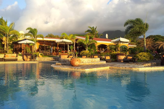 Palms Court Garden is the exquisite privately owned property with stunning views on the Basseterre harbor. Its lush beautiful gardens host a spectacular infinity pool and bar, restaurant (breakfast & lunch daily) and the production site of Shell Works St Kitts and adjacent gift boutique.