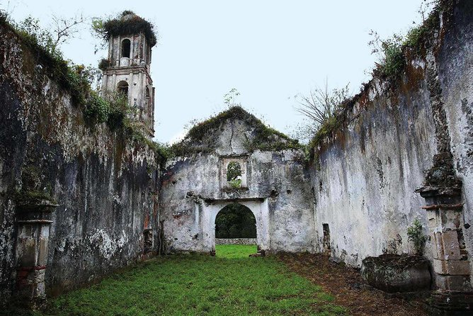 Includes:<br><br>· Evangelism route of the Franciscans friars.<br><br>· Naolinco jewel of Veracruz<br><br>· Culture House and San Mateo Apostol Church<br><br>· Market of leather crafts<br><br>· Transportation, tickets and guide.<br><br>Details:<br><br>Meeting Point: Lobby of the client's hotel<br><br>Start time: From 08:00-08:20<br><br>Closing time: 20:00           <br><br>Duration of excursion: 12 hours