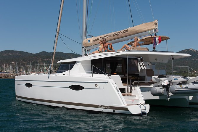Enjoy this 7-night cruise through the Isle of Pines after departing from Noumea. Abaca is a catamaran Helia 44 issued in 2015. It is equipped with the latest features in comfort, private en-suite cabins, open-space cockpit and sundeck. <br><br>You and your small group will be guided in the the lagoon to the deserted islands, offering white beaches, coral reefs and tropical fishes. You also have the option to include traditional meals if you pre-select this option.