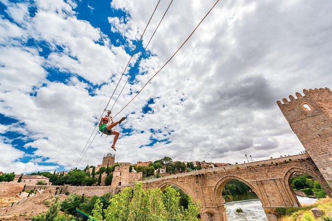 Tirolina urbana en Toledo con foto digital, Toledo, ESPAÑA
