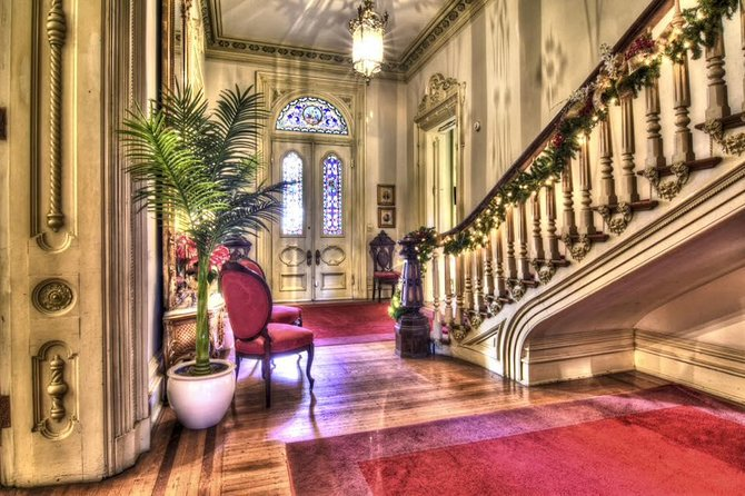 You will be delighted to view the resplendent interior of the Woodruff-Fontaine mansion. Furnished in period antiques, you will learn of the fascinating history of the Woodruff and Fontaine families who resided here.