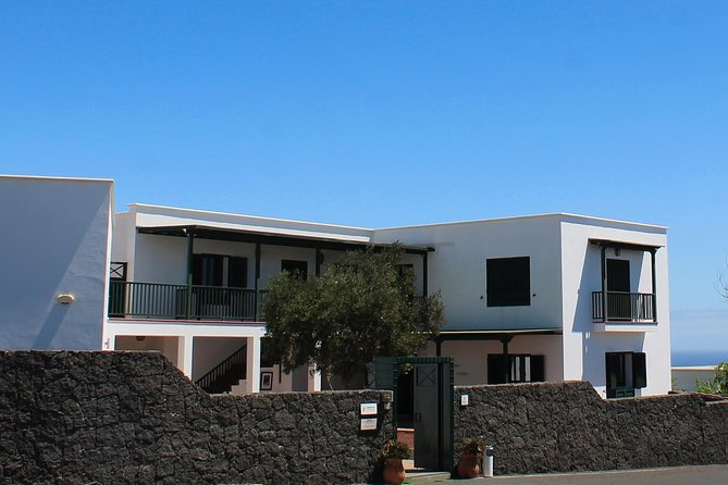 Get into the life and work of one of the most famous Portuguese writers, as you visit José Saramago's House Museum in Lanzarote, a very welcoming and full of culture place worth visiting.