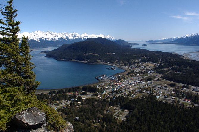 Hike your way to the highest point on the Haines Peninsula atop Mt. Riley! This 6-hour, 5-8 mile adventure will take you up about 1,500 ft to a 360-degree view of the Lynn Canal. Throughout the hike we'll enjoy some snacks and water on our way to the summit, then enjoy a picnic style lunch before descending back to the trailhead.