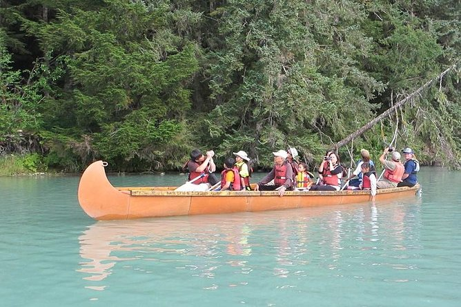 Explore the beautiful waters of southeast Alaska on the canoeing trip of a lifetime. Experience the astonishing scenery of the Last Frontier in a voyageur canoe. Your expert guides will drive you along the coastline past the salmon-rich Chilkoot River to the scenic Chilkoot Lake. You'll receive all of the necessary equipment and instruction before heading out onto the waterto explore the far reaches of the lake with your guide in amotor-assisted voyageur canoe. Your adventure will wrap up with a beach-side lunch before returning you to the pier.