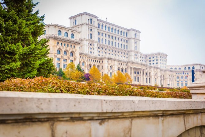 Take photographs at the most important tourist attractions of Bucharest with car/minibus private tour. There will be stops at the most important sights. During the tour, our guide will provides valuable information about the Romanian history and culture.