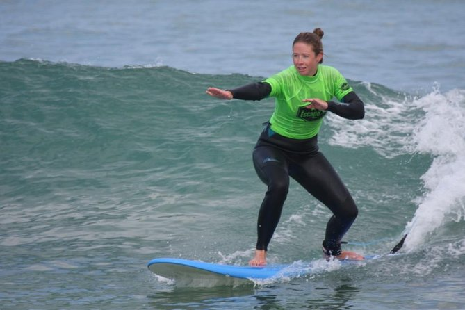 This course is perfect for beginners looking for an introduction to surfing, or just a quick surfing fix! This is a 2 hour surfing lesson, tailored to your ability<br><br>For students on a first lesson your coach will introduce all of the skills and techniques necessary to surf with control and safety. Soon enough you will be riding the waves with style! <br><br>If you have already surfed, you can then use this session to build on more advanced techniques, including paddling, turning and reading the ocean.<br><br>We meet at Escape Surf School, in Newquay, which is located overlooking Towan beach on the premises of Belushis / St Christophers Inn.