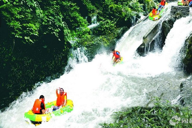Venture into the rain forest in the Red Valley of Wuzhishan (Five Fingers Mountains) from Sanya for an exciting river rafting experience on a 2.4 miles (3.8 kilometers) long section of Maoyang River for 1hour and 40 minutes fun.