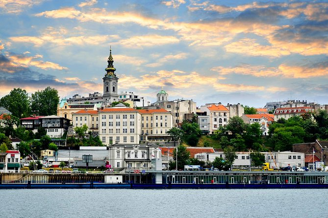 Discover all the most important sights in Belgrade with your tour guide during a 3-hour city tour. Let us show you the main attractions on both sides of Sava and Danube rivers. Walk around the Kalemegdan Fortress with your guide and enjoy the stunning scenery.