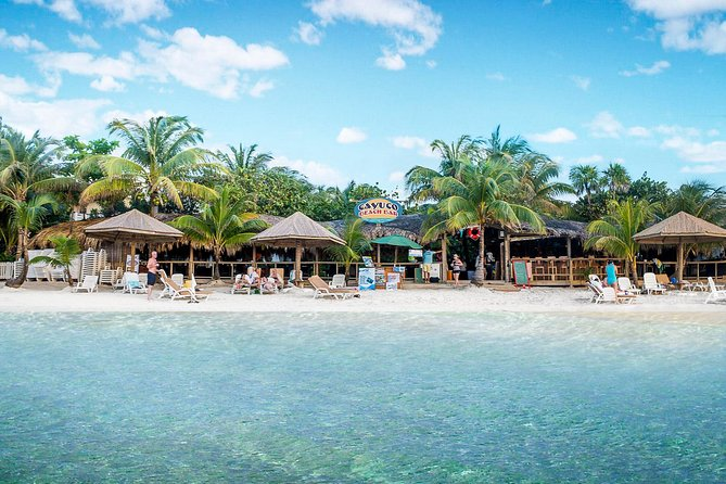 Enjoy a relaxing lunch on one of the best beaches in the world. West Bay Beach is the ideal location to enjoy your day and take in the sights. A memorable Shore Excursion, while visiting Roatan.