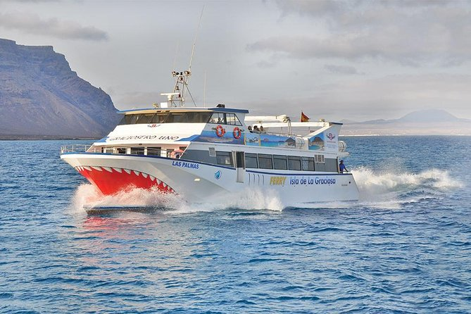 Comfortable easy boarding on our express ferry to the remote island of La Graciosa. We have free wifi on board. Ferry crossing is about half an hour. You can travel in the open air or in the covered seating area.