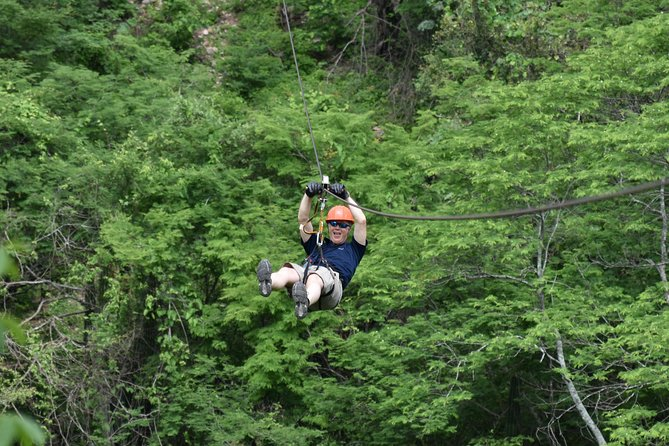 A 5 hour tour where you will enjoy an amazing ride trying our 12 ziplines, each one with different lengths and heights in Veranos Village.<br><br>Includes: round transportation, meals, drinks and tequila tour.