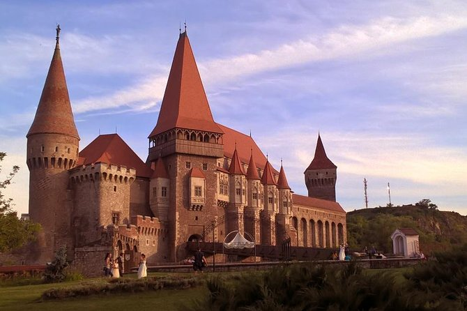 This full day tour (~12 hours) includes pick up and drop off at your accommodation in Timisoara and visits to 4 sights. The tour is mainly a historical one (you'll here the history of Romania presented chronologically), but we can talk as well about Romania today. We'll cross the Carpathian Mountains twice admiring beautiful landscapes and we'll taste Romanian food in one of the local restaurants next to the Corvins' Castle.