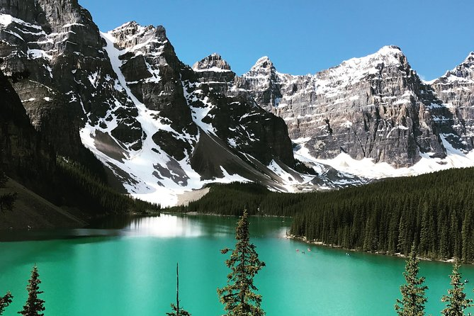 Private Banff and Lake Louise Tour<br><br>Private small group SUV Tour of the Banff area, Lake Louise and the Icefield Parkway for up to 5 guests. <br><br>Stops include; Lake Minnewanka, Norquay Lookout, Bow Falls, Bow Valley Parkway, Lake Louise, Moraine Lake, Crowfoot Glacier, Bow Lake and Peyto Lake. Customizable itinerary and start times, free pickup in Canmore, Banff, Lake Louise and Golden. Pickup in Calgary available at an additional cost.