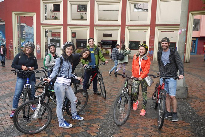 A four-hour exploration by bike of central Bogotá, during which we'll visit the historical center, La Candelaria, a traditional fruit market, a coffee factory, street art, and hopefully a game of tejo, Colombia's national sport. We'll also pass by landmarks such as city parks, the Plaza de Toros, Museo Nacional, and experience the economic and arquitectural diversity of different neighborhoods. Part-way through the tour, we'll stop in the Parque Nacional to sample fruit salads, juices, barbacued meats, corn-on-the-cob and other traditional Colombian street foods.<br><br>The route, of about 12 kilometers, is mostly flat, and the tour is casual, with frequent stops.