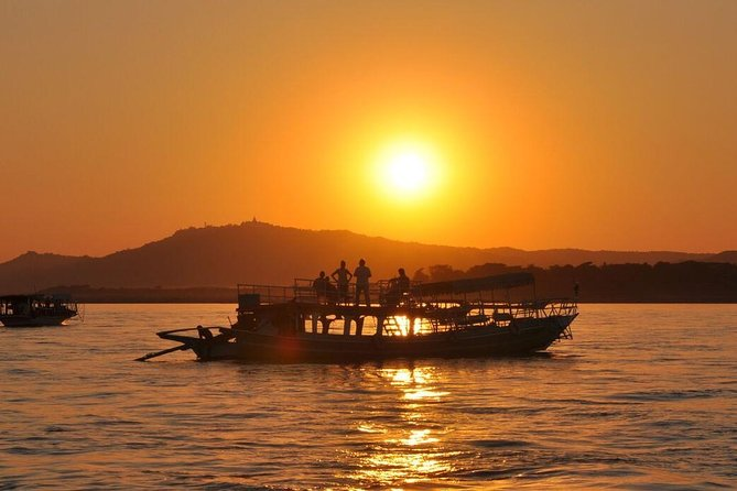 Enjoy a relaxing 90-minute sunset cruise, ride a horse-drawn cart, have a cup of local tea, and a picnic on the water. So much bliss on this 2.5-hour Bagan tour, you'll be utterly relaxed for the rest of your time in Myanmar.