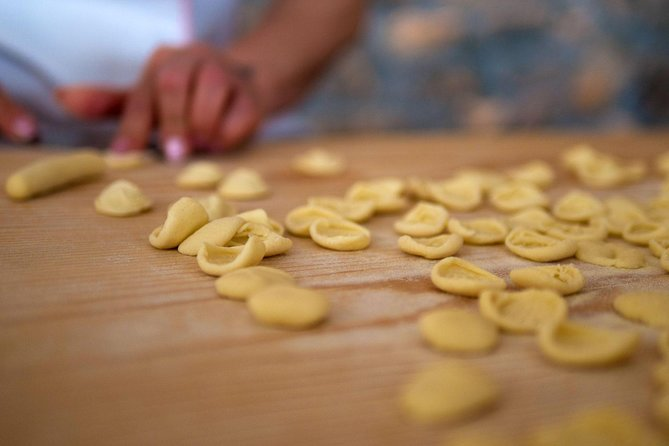"One of the masterpieces of our culinary culture is represented by ""orecchiette"", typical handmade pasta which name comes from its shape, which resembles a small ear. We propose a cooking lesson in a typical Masseria, where you will learn how to make handmade pasta discovering in this way the secrets of Mediterranean cuisine."