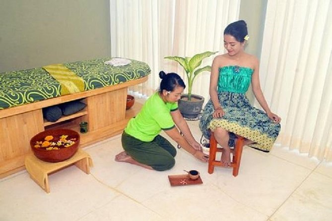 Complete your Bali holiday with 4  hours spa treatment including complimentary hotel or airport transfer. Pamper yourself at LLuvia spa which located at Jalan Sunset Road Seminyak. The spa located only 5 minutes from the heart of Seminyak. Sink into the steep of relaxation as you enjoy the 4 hours spa complete spa treatment for ladies from head to toe including Face massage, Body massage, Ratus V spa, Body scrub and mask, end with flower petal bath.  Free transfer service is available for wide range area including Jimbaran/Nusa Dua/Seminyak/Kuta/Legian/Canggu/Airport. If you want to find activity during the transit in Ngurah Rai Airport, Free pick up and drop off also provided <br><br>Treatment Detail:<br> • 5 minutes aromatherapy foot bath <br> • 1 hour face massage <br> • 1 hour ratus spa <br> • 1 hour traditional body spa <br> • 40 minutes traditional body scrub and milk mask <br> • 15 minutes flower bath <br><br> <br>