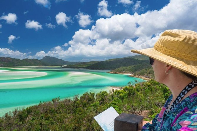 Whitehaven Beach And Hill Inlet Chill
