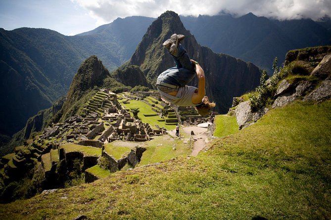 If you already have your train and bus tickets, guide, transportation...but you are only missing the entrances, then this product is perfect for you! Enjoy the majesty of Machu Picchu Citadel by acquiring these tickets. There is a group maximum of 15.