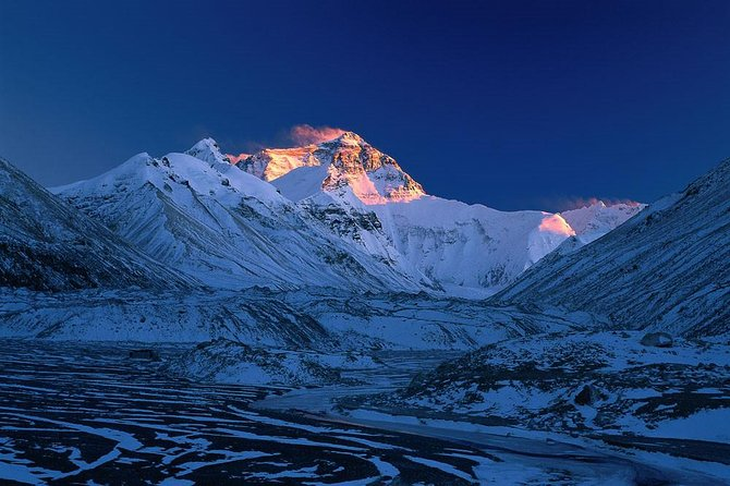 This absolutely is our best-selling tour package! After three days of essential sightseeing tour in Lhasa, the capital city of Tibet, travelers will go to Shigatse, passing by the stunning holy lake Yamdroktso and Karola Glacier. Finally, meet with the dreaming Mt. Everest and spend one night at the base camp. Enjoy a great time of getting close to the nearest place to the heaven!