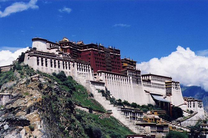 Spend half day on exploring the highlights of the Tibet: the Potala Palace. The exotic structure is 13-stories-high and contains more than 1,000 rooms.
