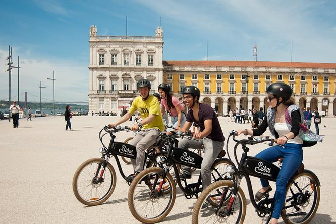 PRIVATE TOUR OPTION: request for an upgrade to a private tour after booking. From just 50€ for up to 6 guests. | <br><br>According to legend, Lisbon was built upon hills, and with this electric bike tour, you'll be able to scale them with the help of our electric bikes, to discover the city's best highlights and scenic views. It's without a doubt the best way to experience the history, culture, and people of Lisbon. <br><br>Visit the beautiful Alfama, Chiado and Bairro Alto districts, and cycle pass Lisbon landmarks like Sé de Lisboa Cathedral and others. Ride up to the highest spots in the city, such as the National Pantheon and the São Vicente Monastery, and enjoy magnificent 360- degree views over Lisbon's beautiful landscapes.<br><br>We are waiting for you! <br><br>