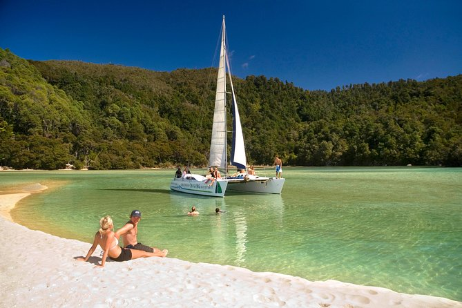 Treat yourself to the only scheduled Full Day sailing tour in New Zealand's coastal paradise - the Abel Tasman National Park.  <br><br>Either chill out and relax, get involved in the sailing or learn as you go, you decide! Experience some great sailing, enjoy some stunning beaches and islands, with a full hour to enjoy your lunch and relax on Anchorage Beach.  A great opportunity to go swimming or take a short walk and explore the caves.<br><br>Visit the Fur Seal Colony, Split Apple Rock, and much more on your return to Kaiteriteri Beach - see all the highlights on this tour.