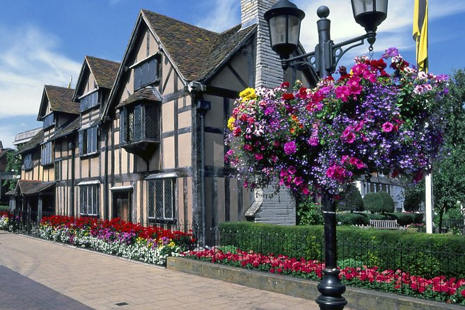 Tour Stratford-upon-Avon, the Cotswolds and Oxford in one day, on this leisurely paced excursion with an expert guide. After departing Oxford by comfortable minivan, visit Shakespeare's Birthplace in the charming town of Stratford-upon-Avon and enjoy a photo stop outside Anne Hathaway's Cottage: the former home of William Shakespeare's wife. Then, visit several picturesque villages in the beautiful Cotswolds region before returning to the timeworn university city of Oxford for a walking tour.<br><br>Please note that this tour also has departures available from London -