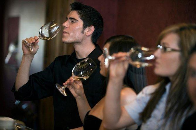 Niagara-on-the-Lake Wine-Tasting Tour with Gourmet Lunch or Dinner, Cataratas del Niagara, CANADA