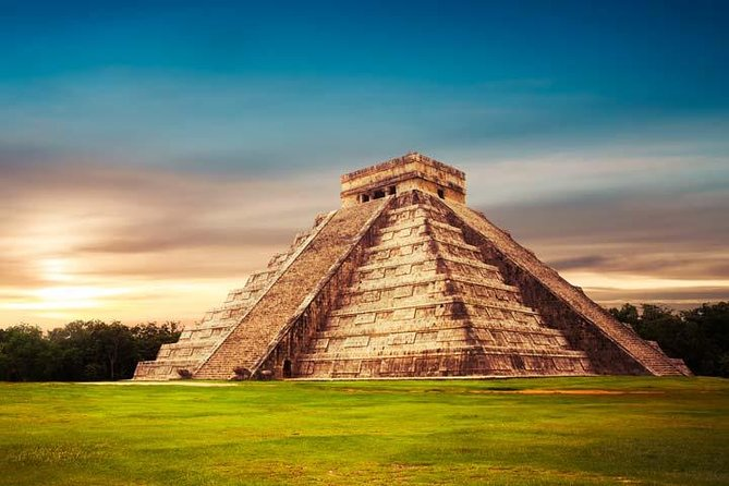 An all-inclusive VIP Chichen Itza tour from Cancun with expert guide, transportation, lunch, drinks, cenote swim and visit to Valladolid! <br><br>The Chichen Itza Premier tour is the best way to discover the world of the ancient Maya in the Yucatan Peninsula. Enjoy a guided tour of this UNESCO World Heritage Site and admire the imposing structures like the Kukulkan Pyramid, the Ball Court and the Observatory. Your bilingual guide will share interesting information and fascinating facts about this advanced civilization.<br><br>The Chichen Itza Premier tour includes a swim in a sacred cenote and a visit to the Colonial town of Valladolid. This is a worry-free, all inclusive day trip with drinks, breakfast and a delicious buffet lunch included.<br><br>25 people maximun per guide at the archeological areas
