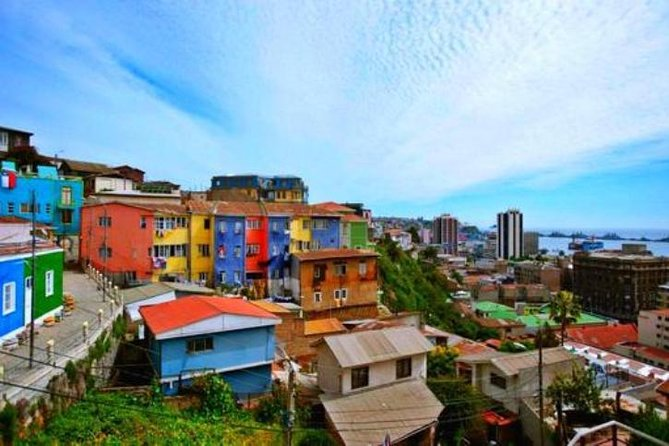 Come explore the beautiful UNESCO World Heritage Site of Cerro Alegre and Cerro Concepción. Learn about the history, culture, gastronomy and street art of Valparaíso on this private tour. See the natural amphitheater of hills facing the Pacific Ocean and century old palace.