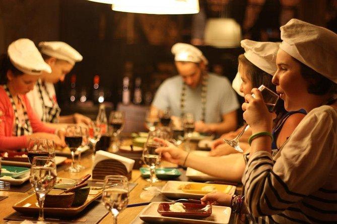 La experiencia culinaria en argentina: empanada, bistec, vino, alfajores y mate, Buenos Aires, ARGENTINA