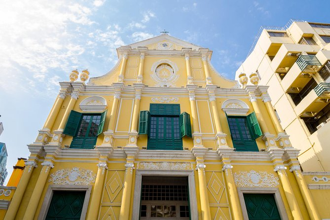 This Macau day tour starts bringing you to the must-go attractions in Macau, including the UNESCO World heritage site Ruins of St Paul's Roman Catholic Church, Mount Fortress, Na Tcha Temple, St. Dominic's Church and more. Tour includes air-conditioned sightseeing coach, round trip hotel transfer, excellent guided services, Museum of Macau admission ticket and round trip ferry ticket from Hong Kong. You have option to extend your tour by visiting Cotai Strip and Venetian Macao and will be provided with ferry ticket departing Macau at 10:00pm.
