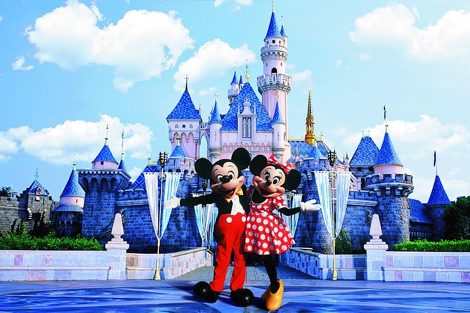 If you will take evening flight leaving from Hong Kong, and wish to explore Disneyland before you go, this day trip is what you are looking for. This tour service included hotel pickup plus 1-way transfer plus admission ticket. Put your luggage in the storage room at the entrance of the Disneyland, go to airport by shuttle bus or MTR train after the tour by yourself. Enjoy your Magic day in Hong Kong Disneyland before saying goodbye to Hong Kong.