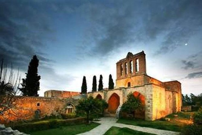 Day Tour: St Hillarion and Bellapais from Nicosia, Nicosia, CHIPRE
