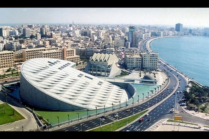 • Discover the city and the Mediterranean sea and the the ancient world<br> • Enjoy the art from the Roman and the ancient Egyptian history<br> • See the library of Alexandria, the biggest library in the world