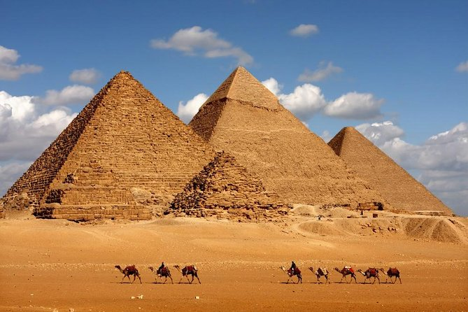 Tour Cairo in comfort and cover the main highlights of Cairo in one day.