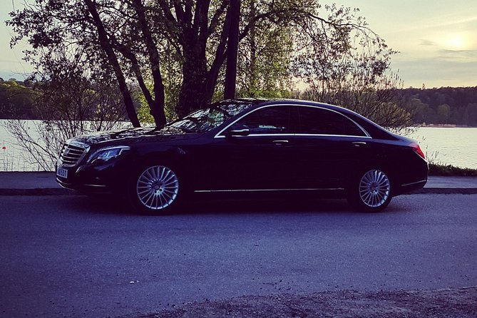 Welcome toa modern and professional limousine companyserving clients in Stockholm, Malmö and Copenhagen.<br><br>WIFI,Mineral water,Phone chargers andMeet & greet are all included in every service.