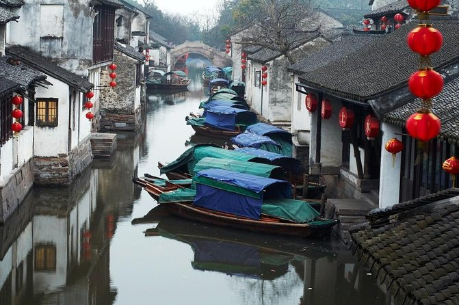 Visit two picturesque Chinese towns, Suzhou and Zhouzhuang on a day trip from Shanghai. You'll see how daily life has remained unchanged over the centuries in these unique old towns. Visit the Suzhou's magnificent gardens, feast on a Chinese lunch and travel through Zhouzhuang's waterways on a Chinese-style gondola.<br>