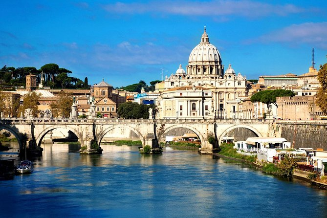 With this tour you will see how you can make the best out of a 3-day stay in Rome. Make your way through the Vatican Museums with the Sistine Chapel, the Colosseum and all other Rome's attractions – religious and cultural.""