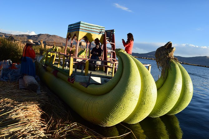 Full day tours to Uros and Taquile on fast boat. Enjoy a beautiful day on Lake Titicaca visiting the two most impressive islands on there. Transfers, entrances fees, lunch, guide and motor fast boat are included on price